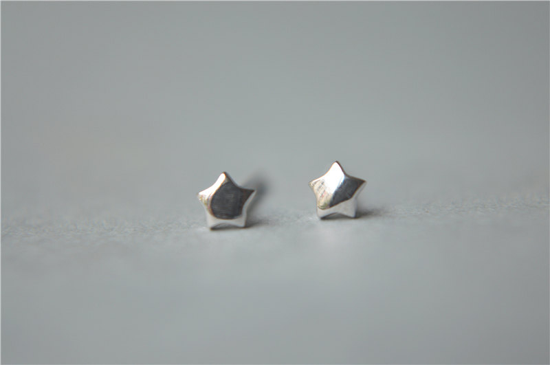 Super Mini Tiny 925 Sterling Silver Star Stud Earrings 3mm Small Shiny Solid D140