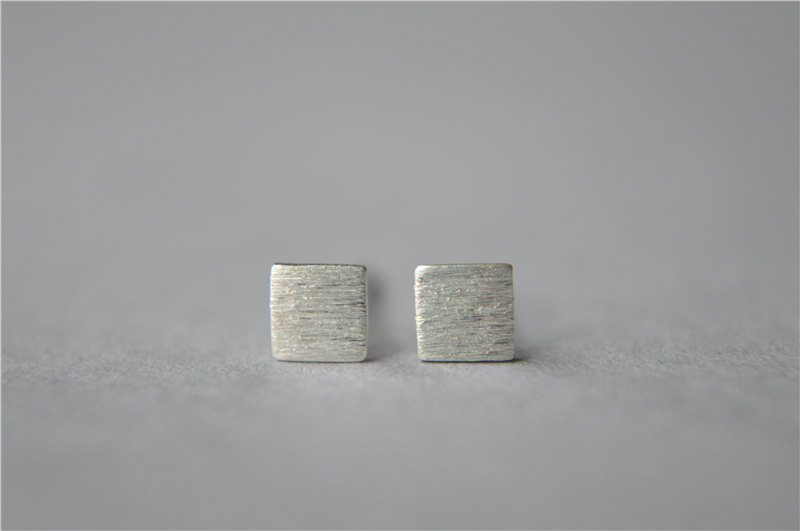 Tiny Simple 925 Sterling Silver Square Stud Earrings Brushed Surface Thin Small Mini Dainty Pair Daily Wear D66