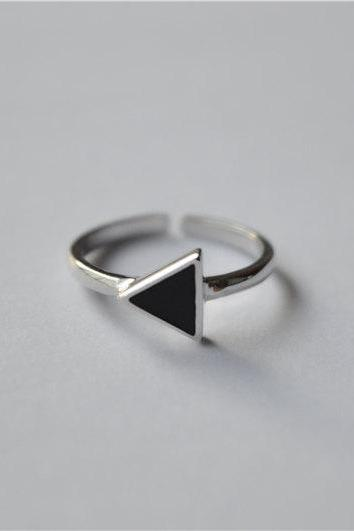 Black triangle ring, sterling silver ring, silver triangle ring, adjustable, tail ring, one size suits all (JZ23)